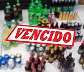 Fiscalização encontra mais de 2,5 mil bebidas vencidas em lojas de conveniência em Maringá