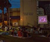 HOJE: Cinema a Céu Aberto exibe o filme 'Deus é Brasileiro'